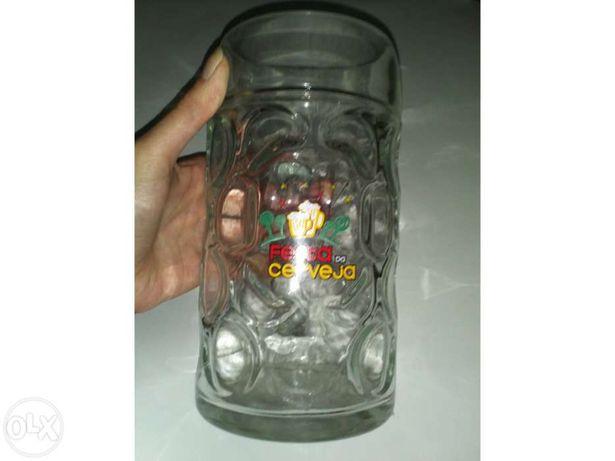Caneca de litro da Festa da Cerveja (Super Bock)
