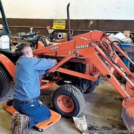Manutenção de tratores e equipamentos agrícolas