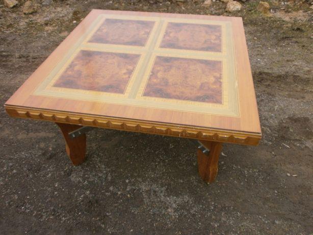 stol kwadratowy metr na metr