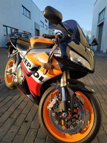 Мотоцикол Honda CBR 1000RR