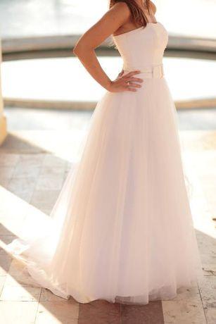 Suknia ślubna z kolekcji Elizabeth Passion E-2482T