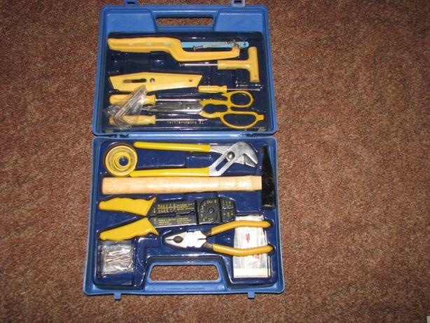 Zestaw narzędzi, walizka