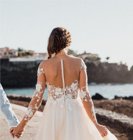 Koronkowa suknia ślubna, kolor ecru