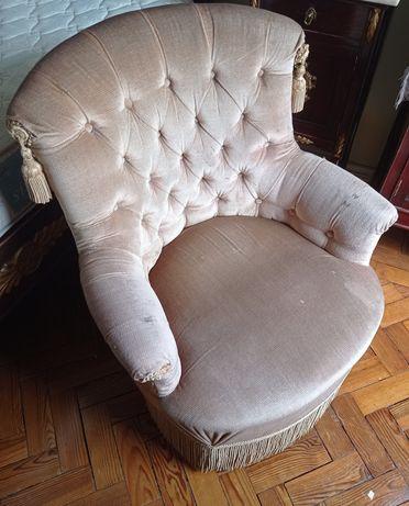 Mesa,sofá,bengaleiro
