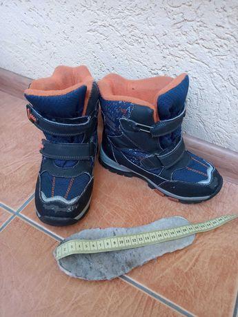 Зимние сапоги 400 руб. на мальчика стелька 21 см.