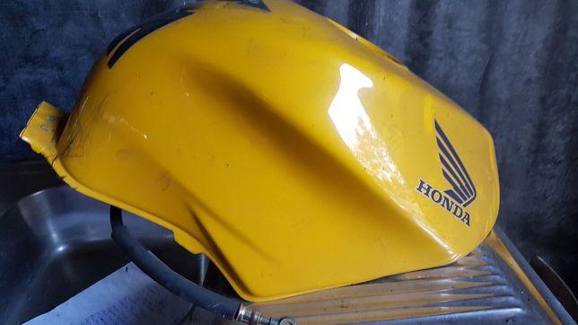 Zbiornik  Honda vfr 800