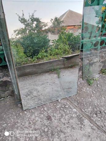 Зеркало из шкафа