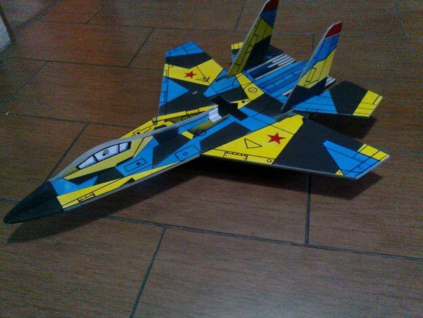 Samolot rc-model Su-27 /kit/