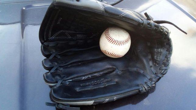 Продам нову шкіряну Бісбольну рукавицю