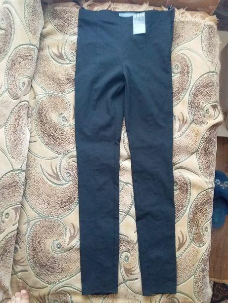 Новенькие брюки на девочку