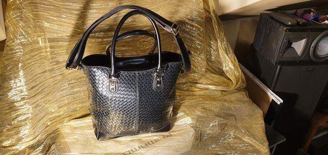 Czarna torba duża pakowna