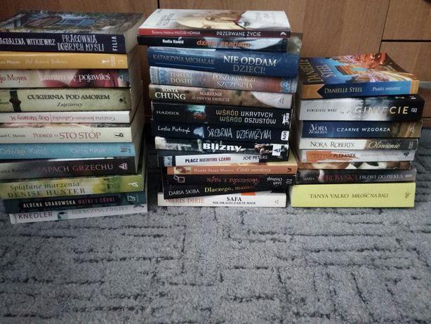 Książki dla kobiet - obyczajowe, o miłości, romanse