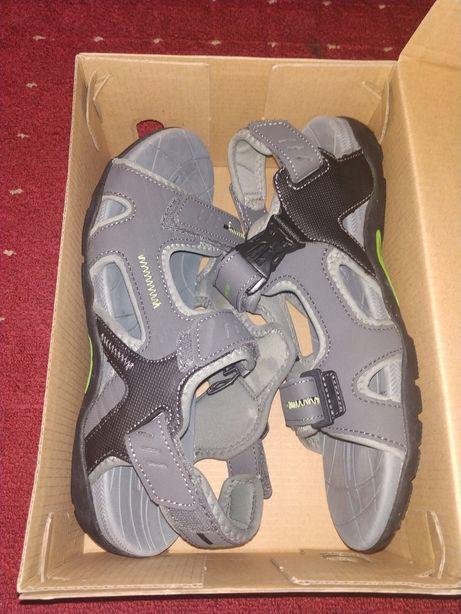 Новые спортивные сандали Outventure. Цена снижена!