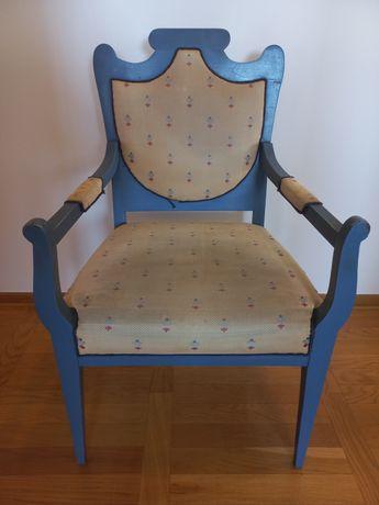 Fotel antyczny rzeźbiony