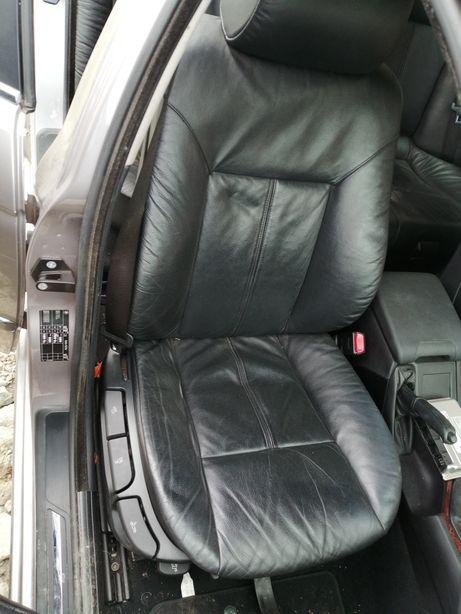 Tapicerka skórzana BMW e39 kombi czarna bardzo ładna komplet skóra