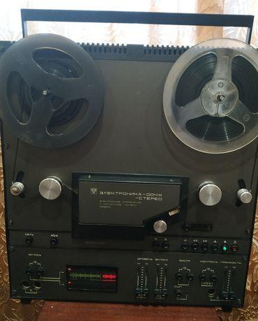 Магнитофон Электроника-004К