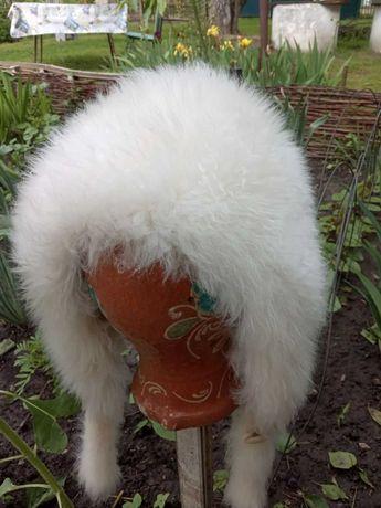 Детская шапка из натурального меха.