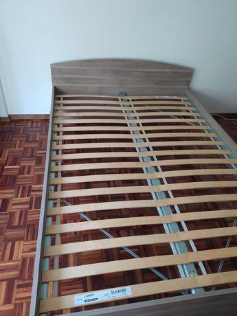 Cama de casal 140x200 + Estrado + Colchão Ikea *disponível até 30.09.*