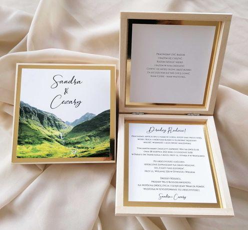 Drewniane zaproszenie na ślub dla rodziców z motywem gór