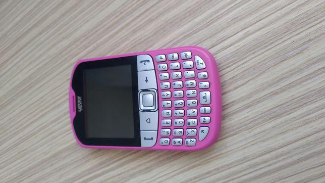 Мобильный телефон Yezz на 3 сим