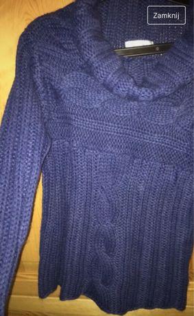 Granatowy cieply sweter