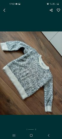 Miękki sweter Reserved 110 super stan