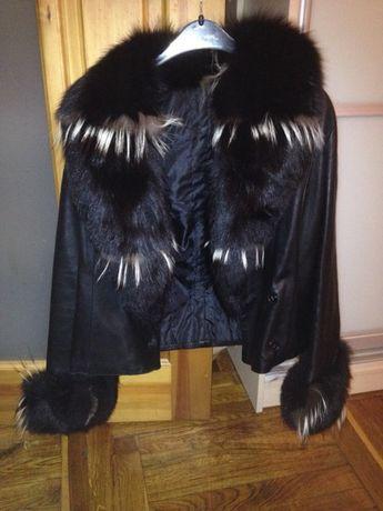 Продам кожанную демисезонную куртку