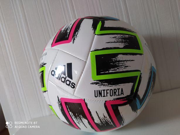 Piłka Adidas Uniforia roz. 5 replika piłki meczowej