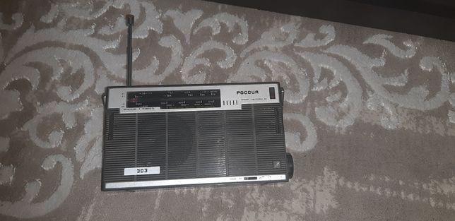 Продам ретро радиоприемник (россия 303)