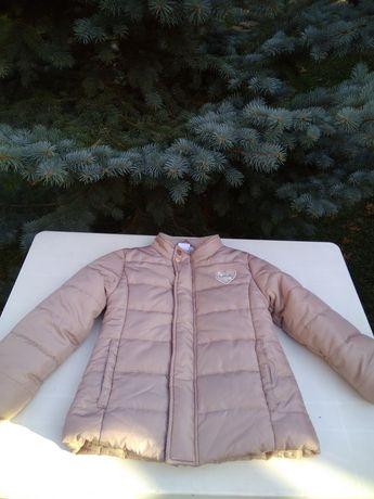 Куртка для девочки 110- 116 рост