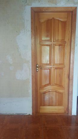 Дверь из натурального дерева
