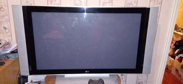 "Продам телевизор LG 42"""