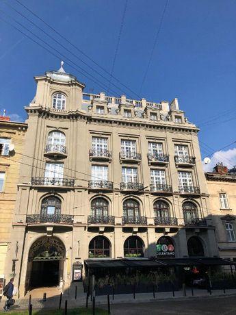 Продам квартиру двухкомнатную, центр г.Львов