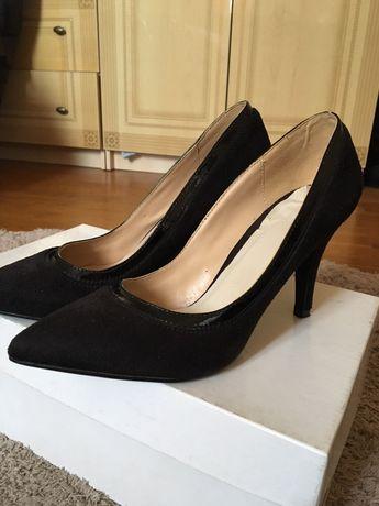 Туфли, туфли на не высоком каблуке