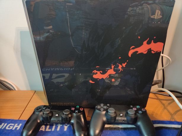 PS4 pro 1tb edição especial Monster Hunter PlayStation 4