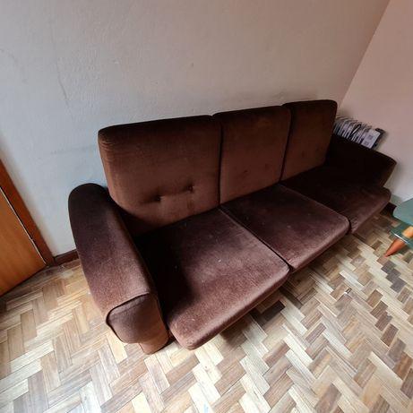 Sofá cama usado em bom estado