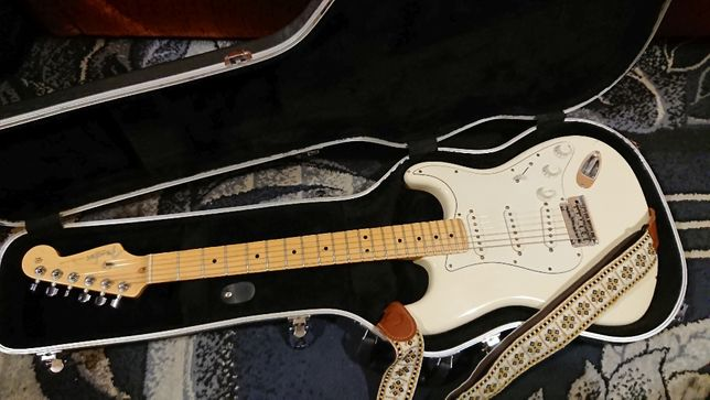 200% oryginał Fender American Standard Stratocaster 2010 Olympic White