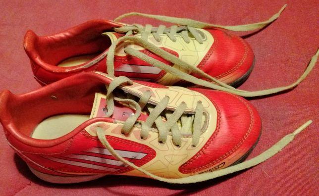Chuteiras n31 Adidas