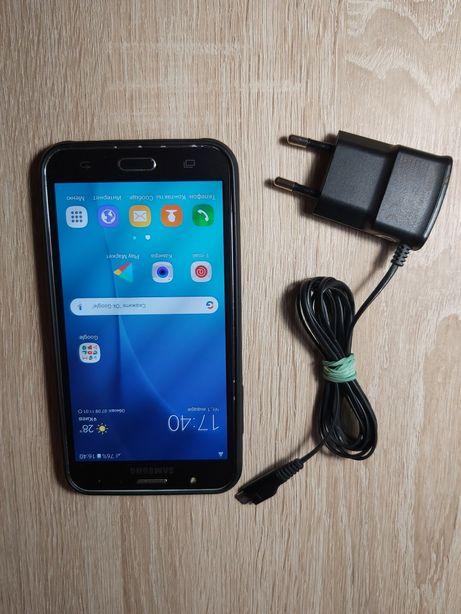 Продам б/у мобильный телефон