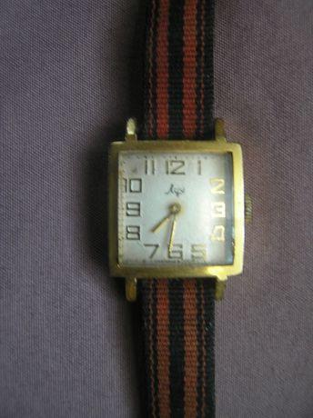 Stary zegarek damski Łucz