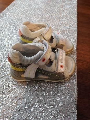 Sandały firmy Bartek