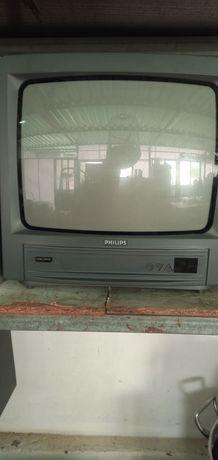 vendo televisão pequena que já não uso não tem comando está hotima