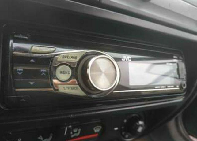 Rádio JVC CD USB e cartão de memória
