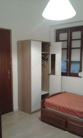 Aluga-se quarto individual a jovem estudante/trabalhadora Colombo