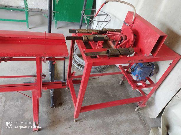 Maszyna do produkcji siatki ogrodzeniowej.