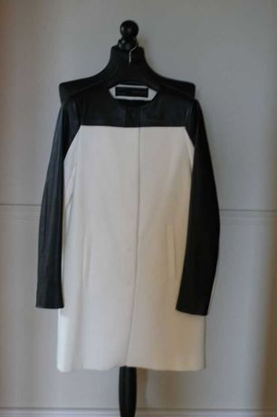 Płaszcz ZARA, płaszczyk czarno-biały, skóropodobne rękawy, 34-XS