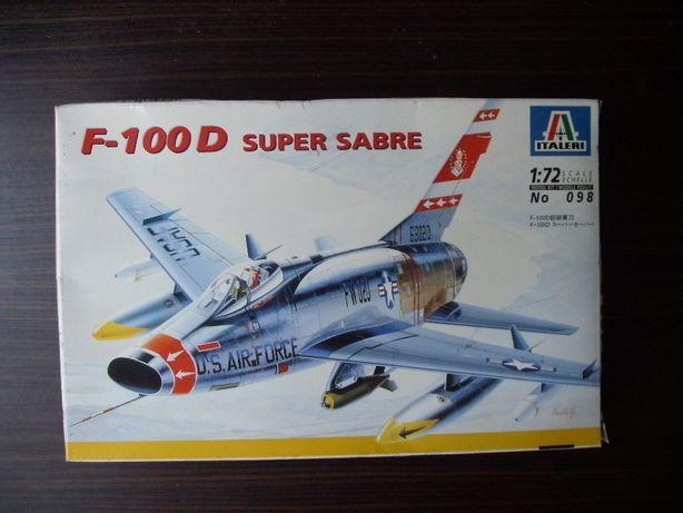 Kit Modelismo avião F-100 D Super Sabre da Italeri à escala 1/72