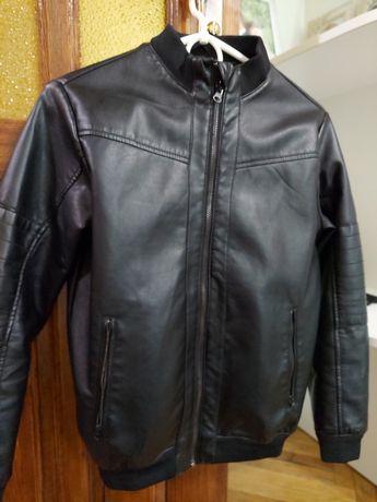 Куртка ,ветровка кожаная Terranova