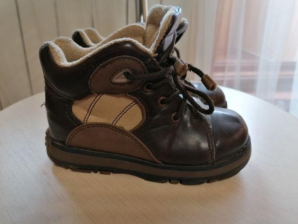 Ботинки осенние на мальчика, размер 25