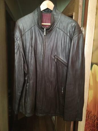 Куртка демисезонная, кожаная.
